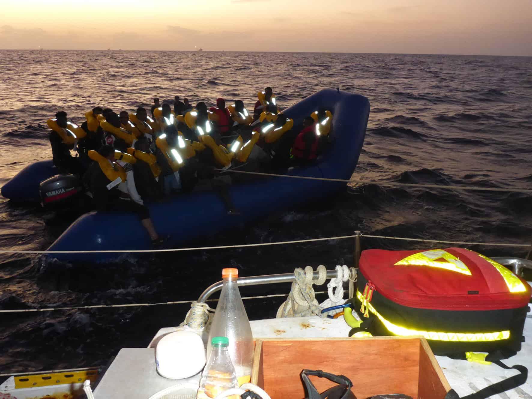Flüchtlingsboot an Josefa