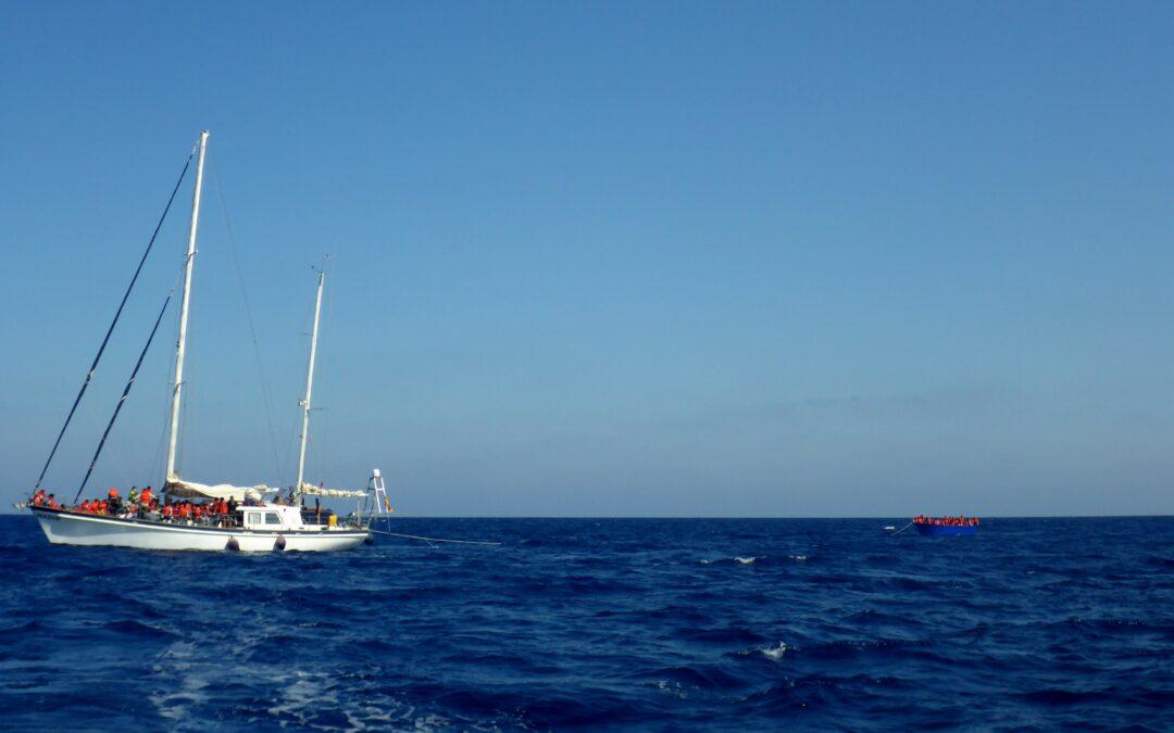 Zwei leere Holzboote gesichtet und Rettung von 91 Menschen in maltesischem SAR-Gebiet