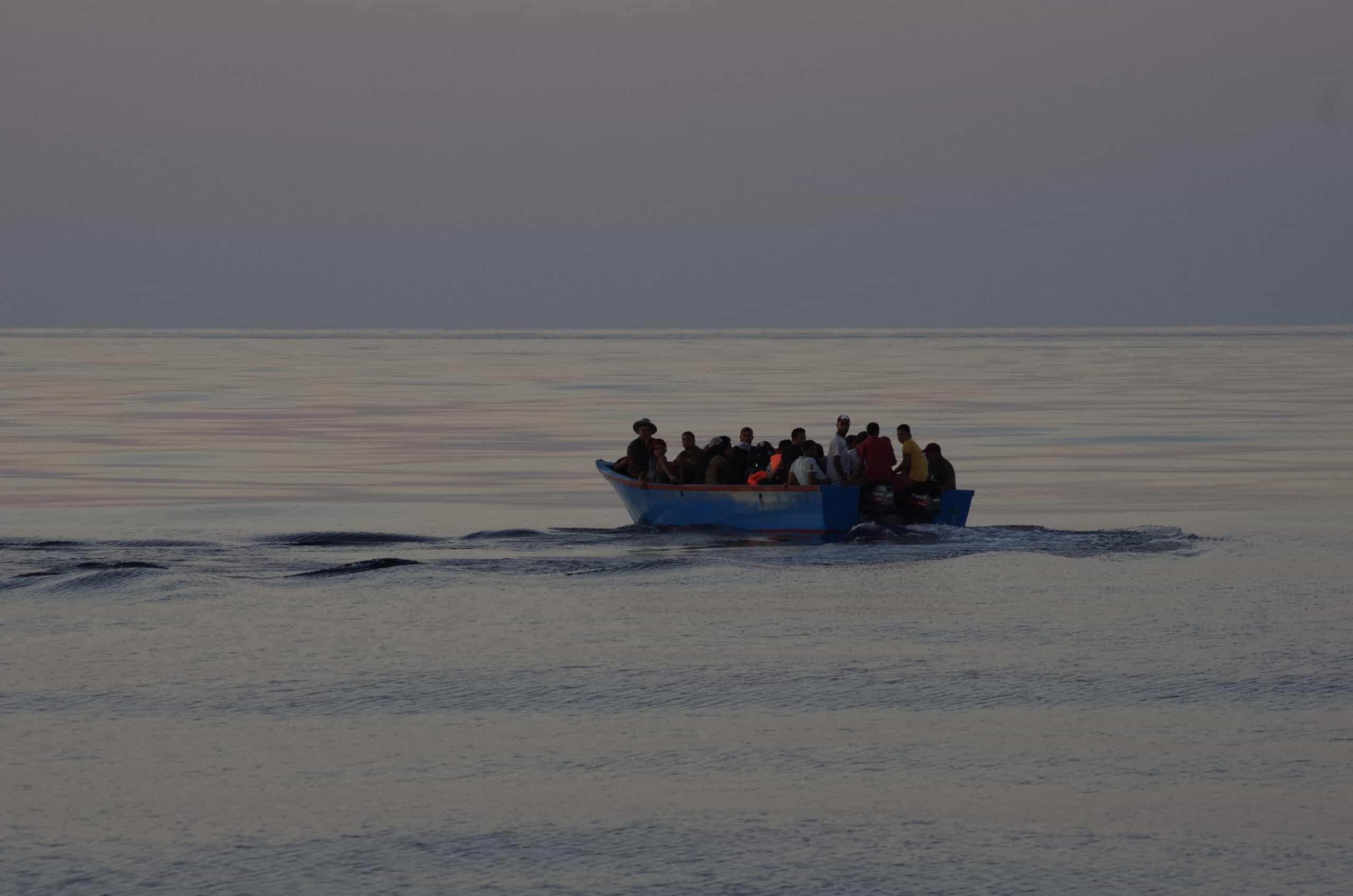 Boot mit 28 Insassen
